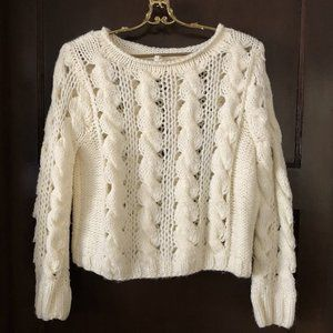 Willow & Clay Cream Cable Knit Sweater M